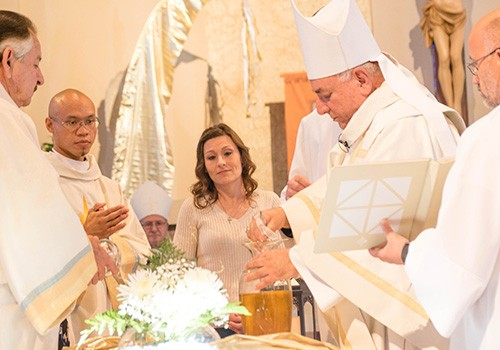 Bishop Barnes consecrates oils, renews vows at Chrism Mass